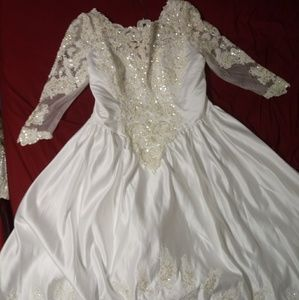 Dresses & Skirts - Victorian wedding dress only tried on once